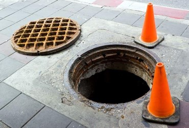 what is manhole definition from trenchlesspedia