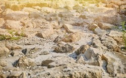 HDD in tough conditions: rocky ground in the sunshine