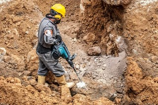 How does rock mechanics help engineers better understand how rocks will react to tunneling projects?