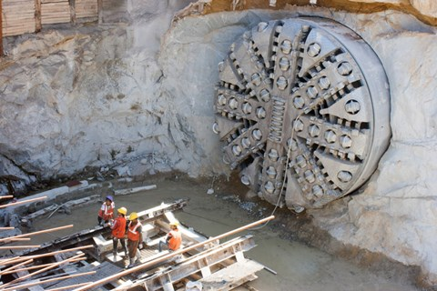 The efficient modern tunnel boring machine (TBM) that smoothly slices through clay, rock and shale is a result of many failed attempts at...